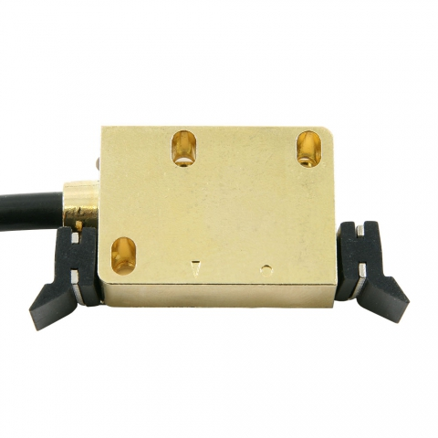 Read head in mounting bracket